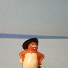 Figuras de Goma y PVC: GATO CON BOTAS. MEDIDAS 2*4 CM.. Lote 228276735