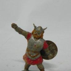Figurines en Caoutchouc et PVC: VIKINGO CON ESCUDO DE ESTEREOPLAST - JIN, REALIZADO EN GOMA, AÑOS 50.. Lote 228998025