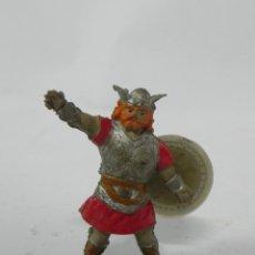 Figurines en Caoutchouc et PVC: VIKINGO CON ESCUDO DE ESTEREOPLAST - JIN, REALIZADO EN GOMA, AÑOS 50.. Lote 228998048
