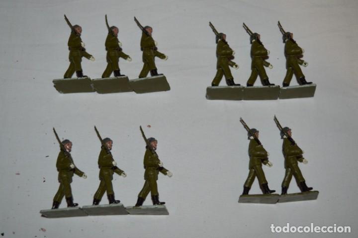 Figuras de Goma y PVC: INFANTERIA - Antiguo/vintage - 13 Soldados desfilando - REAMSA y GOMARSA - ¡Mira fotos! - Foto 2 - 230052240