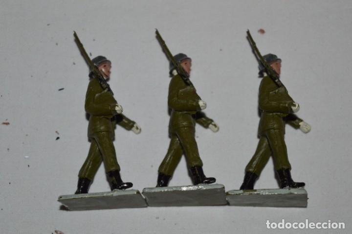 Figuras de Goma y PVC: INFANTERIA - Antiguo/vintage - 13 Soldados desfilando - REAMSA y GOMARSA - ¡Mira fotos! - Foto 18 - 230052240