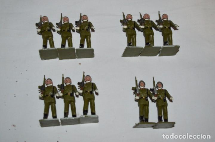 Figuras de Goma y PVC: INFANTERIA - Antiguo/vintage - 13 Soldados desfilando - REAMSA y GOMARSA - ¡Mira fotos! - Foto 4 - 230052240