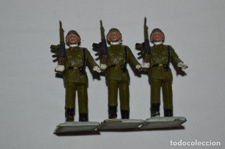 Figuras de Goma y PVC: INFANTERIA - Antiguo/vintage - 13 Soldados desfilando - REAMSA y GOMARSA - ¡Mira fotos! - Foto 15 - 230052240