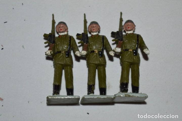 Figuras de Goma y PVC: INFANTERIA - Antiguo/vintage - 13 Soldados desfilando - REAMSA y GOMARSA - ¡Mira fotos! - Foto 19 - 230052240