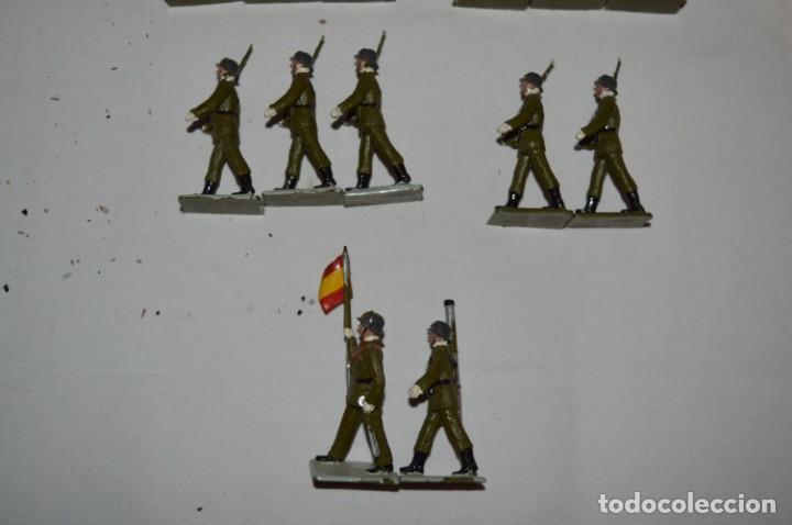 Figuras de Goma y PVC: INFANTERIA - Antiguo/vintage - 13 Soldados desfilando - REAMSA y GOMARSA - ¡Mira fotos! - Foto 7 - 230052240