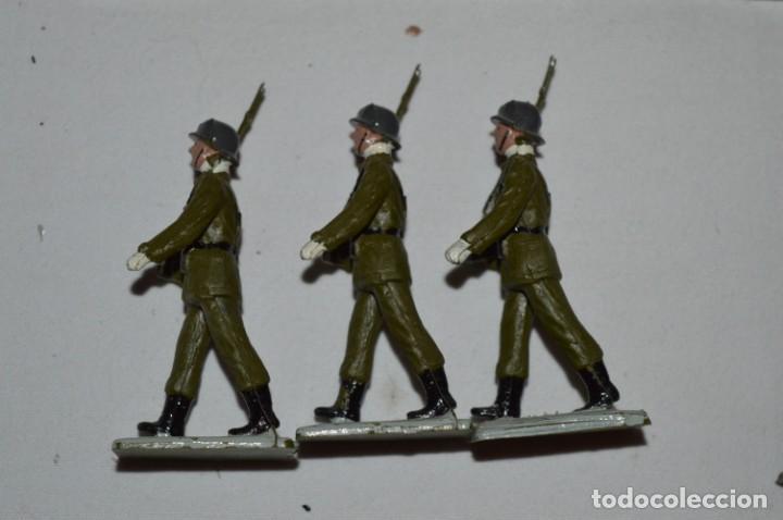 Figuras de Goma y PVC: INFANTERIA - Antiguo/vintage - 13 Soldados desfilando - REAMSA y GOMARSA - ¡Mira fotos! - Foto 20 - 230052240