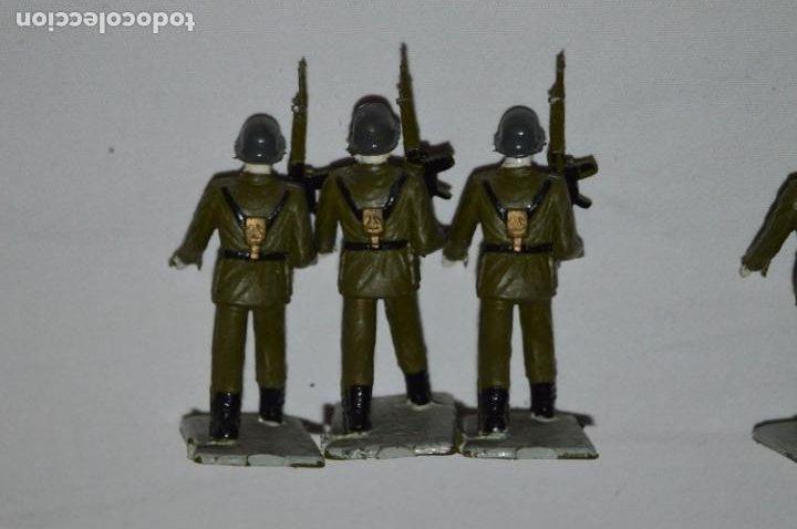 Figuras de Goma y PVC: INFANTERIA - Antiguo/vintage - 13 Soldados desfilando - REAMSA y GOMARSA - ¡Mira fotos! - Foto 17 - 230052240