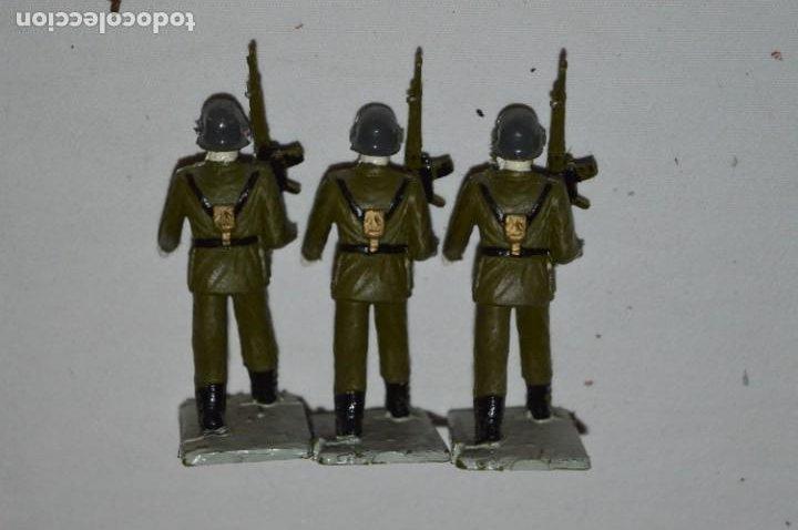 Figuras de Goma y PVC: INFANTERIA - Antiguo/vintage - 13 Soldados desfilando - REAMSA y GOMARSA - ¡Mira fotos! - Foto 21 - 230052240