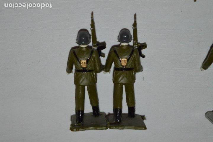 Figuras de Goma y PVC: INFANTERIA - Antiguo/vintage - 13 Soldados desfilando - REAMSA y GOMARSA - ¡Mira fotos! - Foto 25 - 230052240