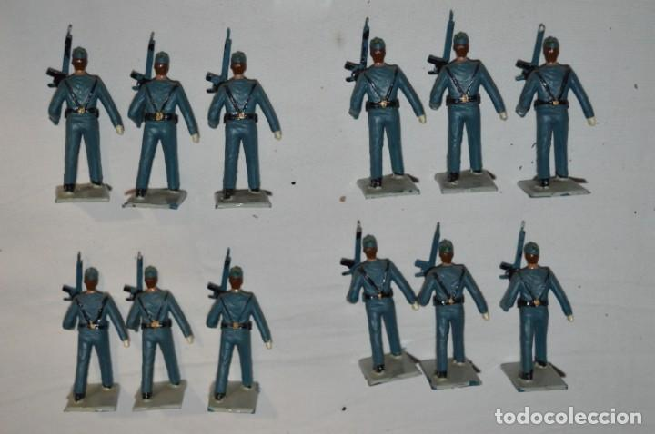 Figuras de Goma y PVC: EJERCITO DEL AIRE - Antiguo/vintage - 13 Soldados desfilando - REAMSA y GOMARSA - ¡Mira fotos! - Foto 3 - 230052315
