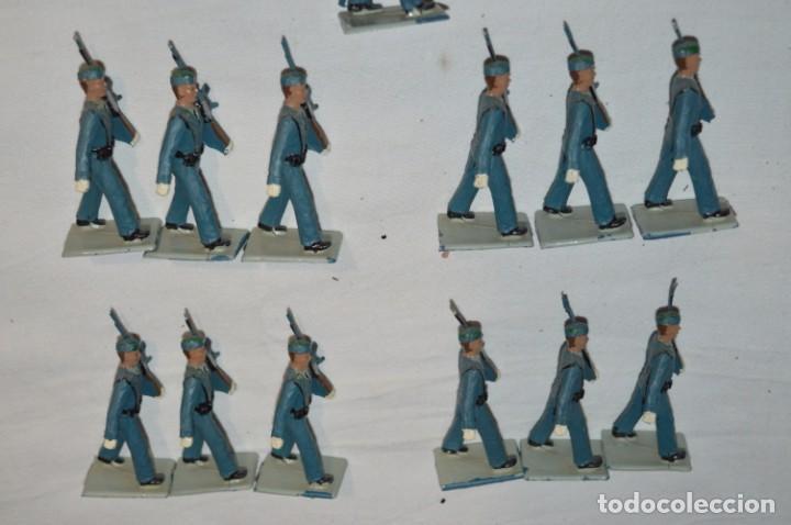 Figuras de Goma y PVC: EJERCITO DEL AIRE - Antiguo/vintage - 13 Soldados desfilando - REAMSA y GOMARSA - ¡Mira fotos! - Foto 5 - 230052315