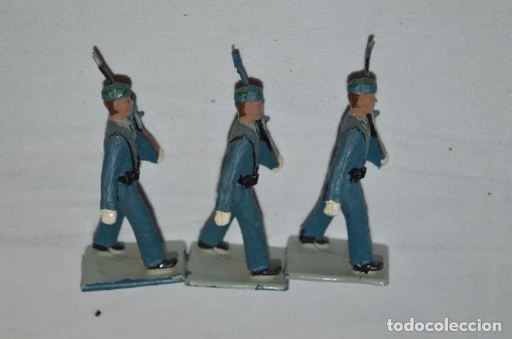 Figuras de Goma y PVC: EJERCITO DEL AIRE - Antiguo/vintage - 13 Soldados desfilando - REAMSA y GOMARSA - ¡Mira fotos! - Foto 10 - 230052315