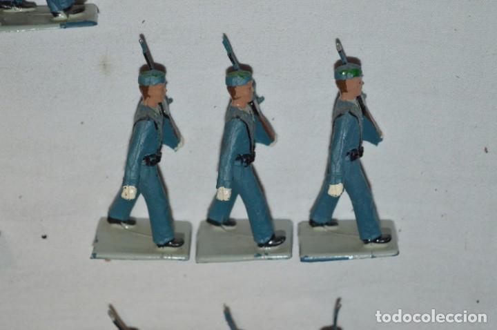 Figuras de Goma y PVC: EJERCITO DEL AIRE - Antiguo/vintage - 13 Soldados desfilando - REAMSA y GOMARSA - ¡Mira fotos! - Foto 18 - 230052315