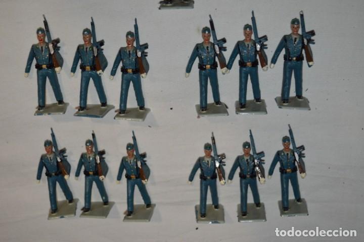 Figuras de Goma y PVC: EJERCITO DEL AIRE - Antiguo/vintage - 13 Soldados desfilando - REAMSA y GOMARSA - ¡Mira fotos! - Foto 7 - 230052315