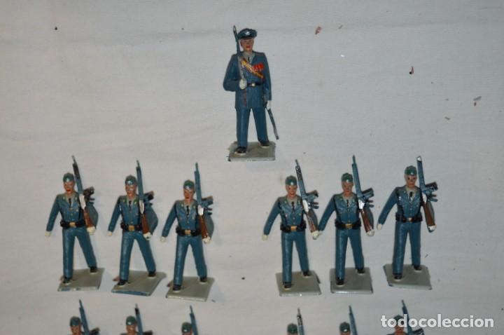 Figuras de Goma y PVC: EJERCITO DEL AIRE - Antiguo/vintage - 13 Soldados desfilando - REAMSA y GOMARSA - ¡Mira fotos! - Foto 8 - 230052315