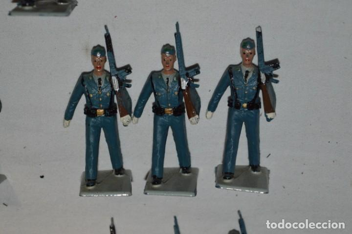 Figuras de Goma y PVC: EJERCITO DEL AIRE - Antiguo/vintage - 13 Soldados desfilando - REAMSA y GOMARSA - ¡Mira fotos! - Foto 19 - 230052315