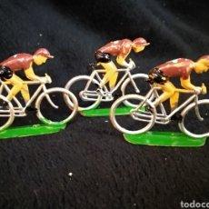 Figuras de Goma y PVC: 3 FIGURAS CICLISTAS, REAMSA. Lote 230337695