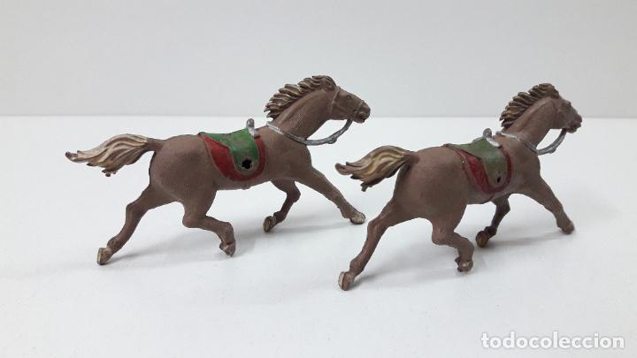 Figuras de Goma y PVC: DOS CABALLOS DE TIRO . REALIZADOS POSIBLEMENTE POR ALCA CAPELL O COMANSI EN SU PRIMERA EPOCA AÑOS 50 - Foto 3 - 231118075