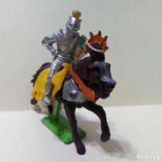 Figuras de Goma y PVC: LOTE DE CABALLO Y JINETE BRITAINS DEETAIL LTD 1971-MEDIEVAL. Lote 231251870