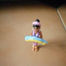 Figuras Kinder: MUÑECO FIGURA KINDER ASTERIX Y OBELIX CHICA EGIPCIA. Lote 231701425