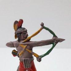 Figuras de Goma y PVC: INDIO CON ARCO . REALIZADO POR LAFREDO . ORIGINAL AÑOS 50 EN GOMA. Lote 231751010