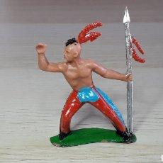 Figuras de Goma y PVC: FIGURA INDIO HURÓN IROQUOIS, FABRICADO EN PLÁSTICO, SOTORRES SPAIN, ORIGINAL AÑOS 60.. Lote 231769705