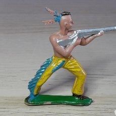 Figuras de Goma y PVC: FIGURA INDIO HURÓN IROQUOIS, FABRICADO EN PLÁSTICO, SOTORRES SPAIN, ORIGINAL AÑOS 60.. Lote 231777170