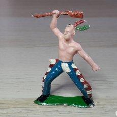 Figuras de Goma y PVC: FIGURA INDIO HURÓN IROQUOIS, FABRICADO EN PLÁSTICO, SOTORRES SPAIN, ORIGINAL AÑOS 60.. Lote 231777470