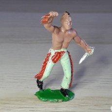 Figuras de Goma y PVC: FIGURA INDIO HURÓN IROQUOIS, FABRICADO EN PLÁSTICO, SOTORRES SPAIN, ORIGINAL AÑOS 60.. Lote 231782580