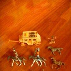 Figuras de Goma y PVC: LOTE INDIOS, CABALLOS Y VAQUEROS MAS CARAVANA DEL OESTE. Lote 233417205