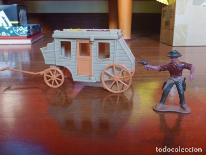 Figuras de Goma y PVC: LOTE INDIOS, CABALLOS Y VAQUEROS MAS CARAVANA DEL OESTE - Foto 7 - 233417205