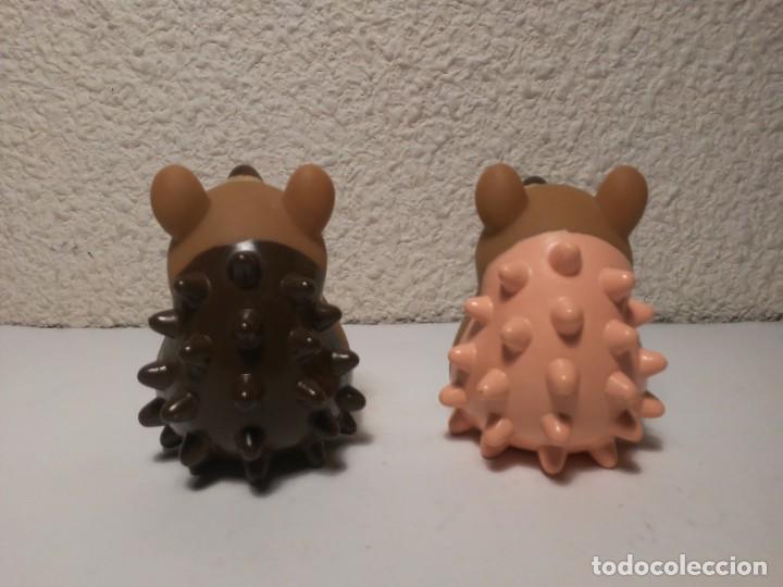 Figuras de Goma y PVC: Pareja de erizos con número 4 y 5 muñecos animales de plástico - Foto 4 - 233868570