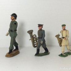 Figuras de Goma y PVC: LOTE DE 3 FIGURAS MILITARES DE DESFILE EN GOMA. Lote 234332730