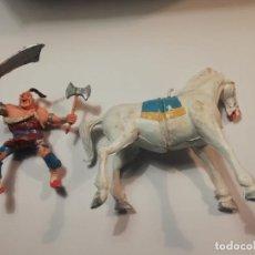 Figure di Gomma e PVC: ESTEREOPLAST KARAKAN CON CABALLO COMPLETO CON HACHA Y KATANA ORIGINAL DE PINTURA AÑOS 60 MUY BUEN ES. Lote 234929830