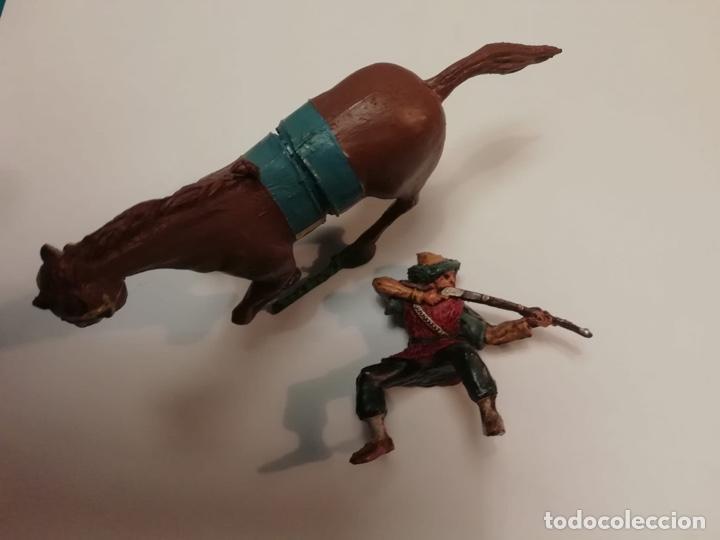 Figuras de Goma y PVC: Estereoplast Serie Cosaco Verde Kvei con caballo original de colección Muy buen estado años 60 - Foto 2 - 234936265