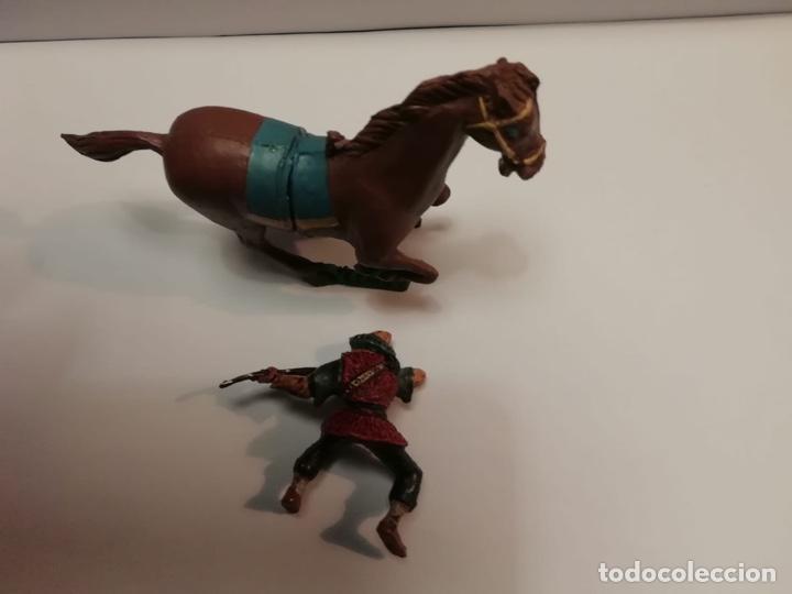 Figuras de Goma y PVC: Estereoplast Serie Cosaco Verde Kvei con caballo original de colección Muy buen estado años 60 - Foto 3 - 234936265