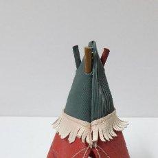 Figuras de Goma y PVC: TIENDA O TIPI INDIO . REALIZADO POR PECH . ALTURA 12,5 CM . ORIGINAL AÑOS 50. Lote 235051675