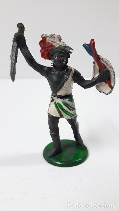 GUERRERO NEGRO AFICANO . REALIZADO POR GAMA . SERIE GUERREROS AFRICANOS . ORIGINAL AÑOS 50 EN GOMA (Juguetes - Figuras de Goma y Pvc - Gama)