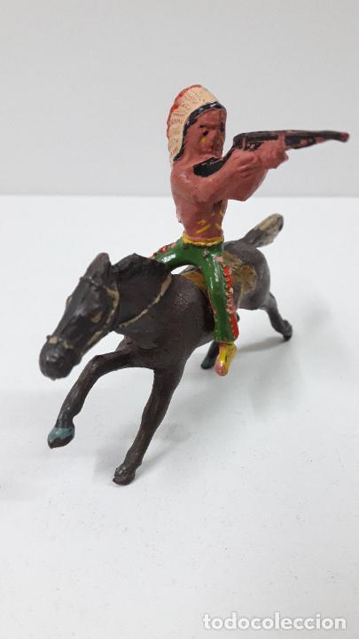 Figuras de Goma y PVC: GUERRERO INDIO A CABALLO . REALIZADO POR ALCA - CAPELL . ORIGINAL AÑOS 50 EN GOMA - Foto 3 - 235262705