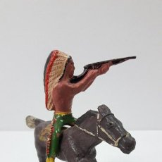 Figuras de Goma y PVC: GUERRERO INDIO A CABALLO . REALIZADO POR ALCA - CAPELL . ORIGINAL AÑOS 50 EN GOMA. Lote 235262705