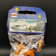 Figuras de Goma y PVC: BOLSA DE ASTRONAUTAS NOVOLINEA COMANSI. Lote 235273235