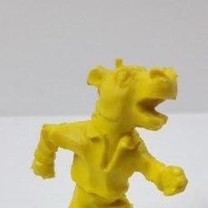 Figuras de Goma y PVC: HIPOPOTAMO - SERIE ANIMALES FUTBOLISTAS . MOLDE LAFREDO . REALIZADO EN PLASTICO MONOCOLOR . AÑOS 60. Lote 235395500
