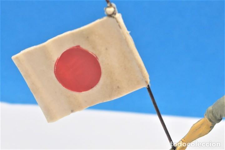 Figuras de Goma y PVC: Antigua Figura en Plástico. Soldado Japonés con la Bandera Original. Pech Hermanos. FIGURA DIFICIL - Foto 4 - 235416755