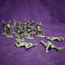 Figurines en Caoutchouc et PVC: LOTE DE 14 FIGURAS DE PVC , SOLDADOS EUROPEOS, FABRICANTE A IDENTIFICAR. Lote 235902365