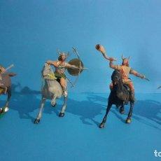 Figuras de Goma y PVC: LOTE DE 4 FIGURAS VIKINGOS. ESTEREOPLAST. GUNDAR , OLAFF , GOODFREI Y RAGNAD COMPLETOS. Lote 236053015