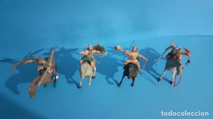 Figuras de Goma y PVC: Lote de 4 figuras Vikingos. Estereoplast. Gundar , Olaff , goodfrei y Ragnad completos - Foto 5 - 236053015