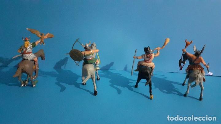 Figuras de Goma y PVC: Lote de 4 figuras Vikingos. Estereoplast. Gundar , Olaff , goodfrei y Ragnad completos - Foto 7 - 236053015