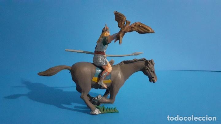 Figuras de Goma y PVC: Lote de 4 figuras Vikingos. Estereoplast. Gundar , Olaff , goodfrei y Ragnad completos - Foto 10 - 236053015