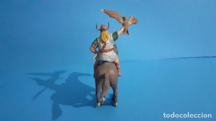 Figuras de Goma y PVC: Lote de 4 figuras Vikingos. Estereoplast. Gundar , Olaff , goodfrei y Ragnad completos - Foto 12 - 236053015