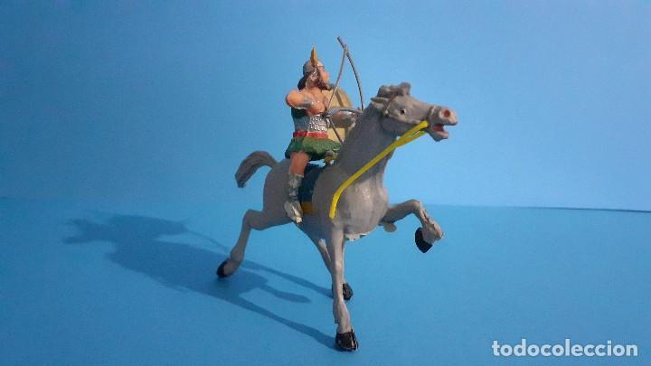 Figuras de Goma y PVC: Lote de 4 figuras Vikingos. Estereoplast. Gundar , Olaff , goodfrei y Ragnad completos - Foto 16 - 236053015
